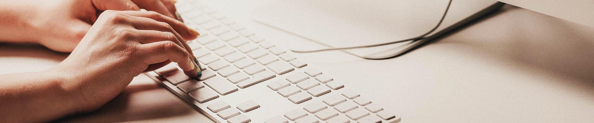 tastiera-mac-scrivere-unitechlab-1.jpg