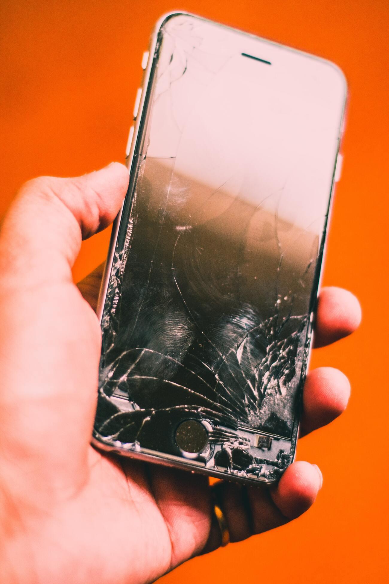unitech assistenza torino dispositivi apple iPhone riparazioni